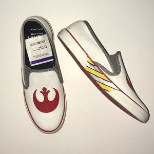 7ba340e3a7 Sperry White Star Wars Sneakers Size 6 NWT